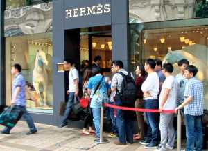 Chinese tourists Hermes store- China Elite Focus